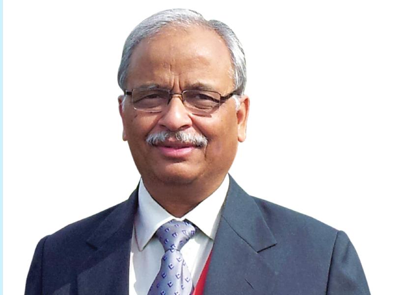 Dr G N Saxena
