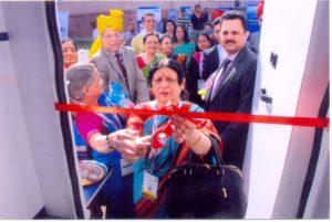dr-kusum-mathursms-medical-college-inaugurating-the-van