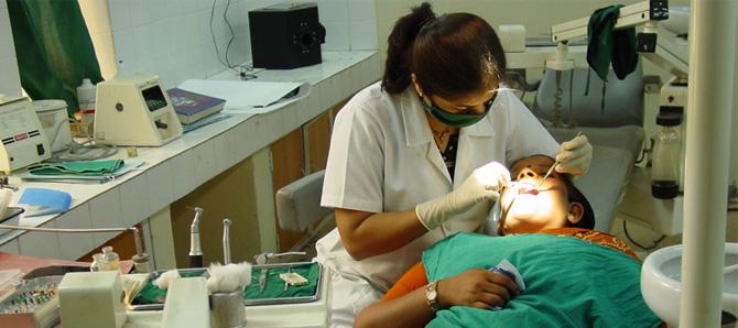 100 Dental Clinics in Delhi