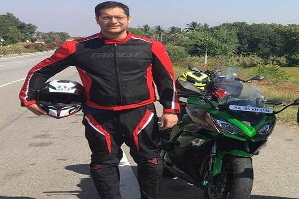 Dr Akshay Dhar